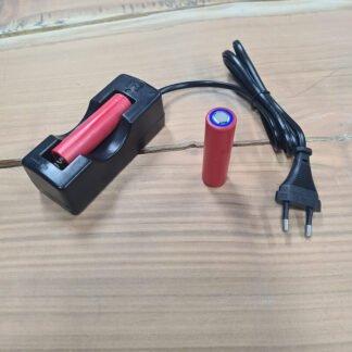 Lader met 18650 Flat top batterij